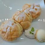 カフェ ジョリオン - パンケーキ(プレーン)、メープルかけたバージョン