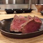 『肉山』 - 熊本あか牛のなか肉