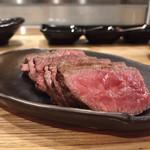 『肉山』 - 新潟頸城牛のもも肉