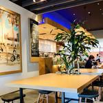 コーヒー ビーン & ティー リーフ - 店内