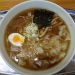 川越大勝軒 - 料理写真:ワンタン麺(中盛)900円