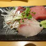 板バ酒バ魚 - 刺身3点盛り(880円)