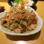 板バ酒バ魚 - 薬味多目の冷奴(350円):おかかとネギがたっぷり♪
