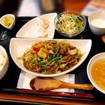 中華菜館 水晶 - 豚ミンチと野菜の甘味噌炒め