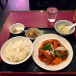 迎賓楼 - 酢豚定食850円