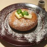 モクオラ ディキシー ダイナー - バターとメープルシロップのパンケーキ 700円