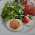 ボンヌ・マール - ランチのサラダ