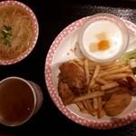 中国料理 牡丹飯店 - お子様ラーメンセット。ラーメンスープがマイルドで美味しそうに食べてました。