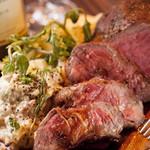 クラフトビアマーケット - 料理写真:肉料理も各種、ご用意。