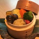 【野菜】彩り野菜のセイロ蒸し