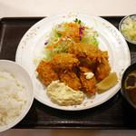 グリルふじ - カキフライ定食 ¥850