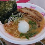のっぴんらー麺 - 【愛媛 ごま胡麻らぁ麺 + 出汁玉(半熟)】¥900 + ¥100