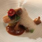 レストラン ラリューム - 青森県産天然真鯛のポワレ 枝豆とジロール茸のフリカッセ