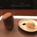 レストラン ラリューム - 丹波産和栗の渋皮煮とショコラの熱々スフレ