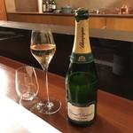 レストラン ラリューム - シャンパンからスタート