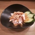 餃子と唐揚げの美味しいお店 肉玉屋 - 鳥肉の棒棒鶏風!