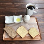94261178 - ✿コーヒー/エチオピア 500円(税込)                       ちなみに休日でも10:00〜11:00まではモーニング♪                       ドリンク注文でパンとゆで卵が付いて来ます(❁´ω`❁)