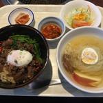 短角亭 - 料理写真:「短角牛カルビ丼&半冷麺セット」