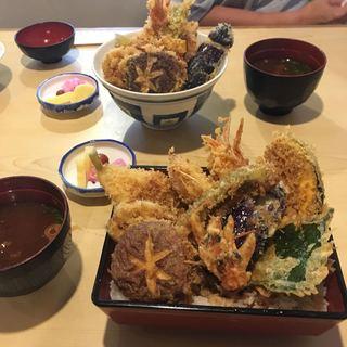 割烹旅館 天金 - 私は天使のエビ天丼1700円。妻はエビ天丼1200円です。