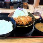松乃家 - とんかつ定食490円ご飯大盛り(+50円)