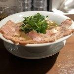 94271379 - 2018.9.22  濃厚烏賊煮干チャーシュー麺 醤油味