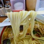 塩元帥 - 麺持ち上げ(冷やし塩ラーメン)