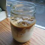 リトルナップコーヒースタンド - アイスカフェラテ 430円