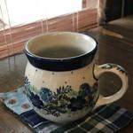 自家焙煎コーヒーcafe・すいらて - ポーリッシュポタリの器でいただく、月替わりのコーヒー(2018.10.10)