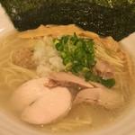濃厚鶏麺 ゆきかげ - あっさり鶏白湯らーめん (珀)比内地鶏の白湯そば・塩  通常 730円
