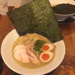 濃厚鶏麺 ゆきかげ - 濃厚鶏白湯らーめん (白)濃厚鶏白湯そば・塩  特製 980円