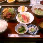 ジョイハウス - 夜の定食:¥995