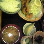 とんかつ 牛島 - ヒレ食べかけw