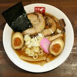 ラーメンぐんじ - 料理写真:醤油スペシャル 1,000円