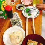 94308442 - 上から ハムキャ別(350円)、〆さば(350円)、ポテトサラダ(300円)、肉どうふ(350円)