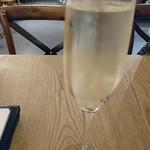Il Paradosso - 泡白ワイン「マスティオ・デッラ・ロッジア グランキュベ」 (2018.8月)