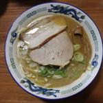 長尾中華そば  - こく煮干し(850円、真上から)