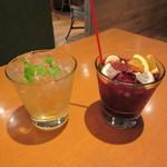 PHAKCHI JO'S - パクチー DE 酒(パクチー梅酒ロック)& パクチーサングリア(赤)