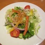 PHAKCHI JO'S - ランチのサラダ