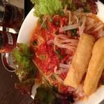 フォーコムフォー - 料理写真:エビスープのトマトフォー