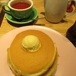 94317607 - ミルフィーユパンケーキ4枚とベルヴィルのオリジナル紅茶のセット