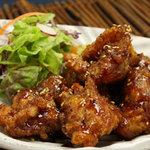 どったんばっ炭 - 昭和43年生まれの店主が懐かしの給食の味を再現 若鶏の甘辛揚げ
