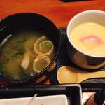 ちゃらりん - MIXフライ定食の お味噌汁と茶碗蒸し♡