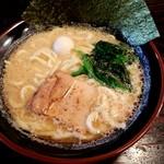 横浜家系ラーメン 一蓮家 - 料理写真:とんこつ醤油