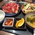 韓の台所 別邸 - まんぷくランチ カルビ200g