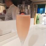 シシリヤ - ドリンク写真:スパークリングワイン〜