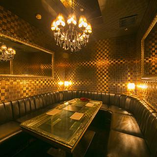 【完全個室】シャンデリア輝く、リッチな個室多数