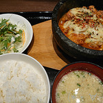 94327051 - 石焼チーズタッカルビ定食(980円)
