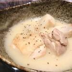酒菜 ゆい - 鶏とさと芋の白味噌煮