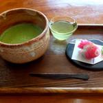 喫茶きはる - 抹茶と和菓子セット800円