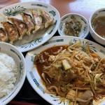 日高屋 - ♪バクダン炒め定食¥680焼き餃子¥230